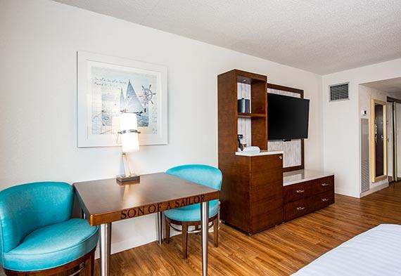 Guest Room Double King Rooms At Margaritaville Lake Resort Lake Of The Ozarks Missouri