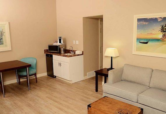 1 Bedroom Suite At Margaritaville Lake Resort Lake Of The Ozarks Missouri
